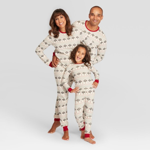 burts beed baby kids holiday family pajama snowflake print