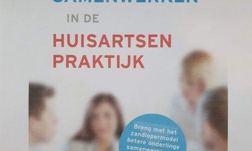 Wanneer komt het boek 'Prettig samenwerken in de huisartsenpraktijk' uit?