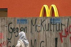 Kulturelle Grenzüberschreitung durch omnipräsentes McDonald's?