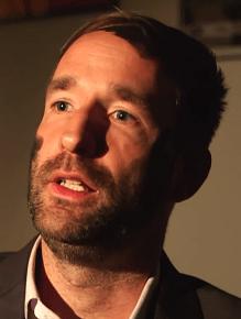 Philipp Ruch - Philosoph und Aktivist mit Kriegsbemalung - Glarean Magazin