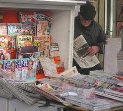 Roman-Klischee - Pfarrer kauft Sexheftchen am Kiosk - Glarean Magazin
