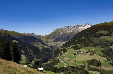 Surselva Tal - Kanton Graubünden Schweiz - Glarean Magazin