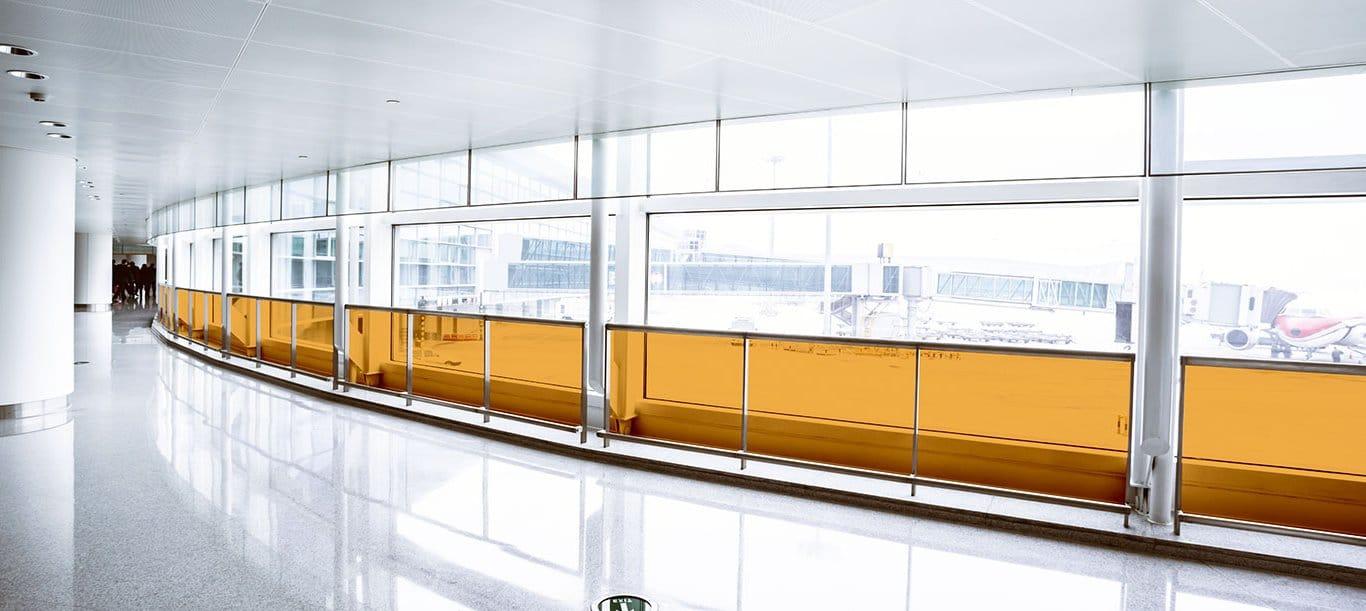Sunblock Amber 81 is een folie waarbij het UV lichtspectrum en gele licht spectrum wordt geweerd. Dit is ideaal in Cleanroom omgevingen en laboratoria.