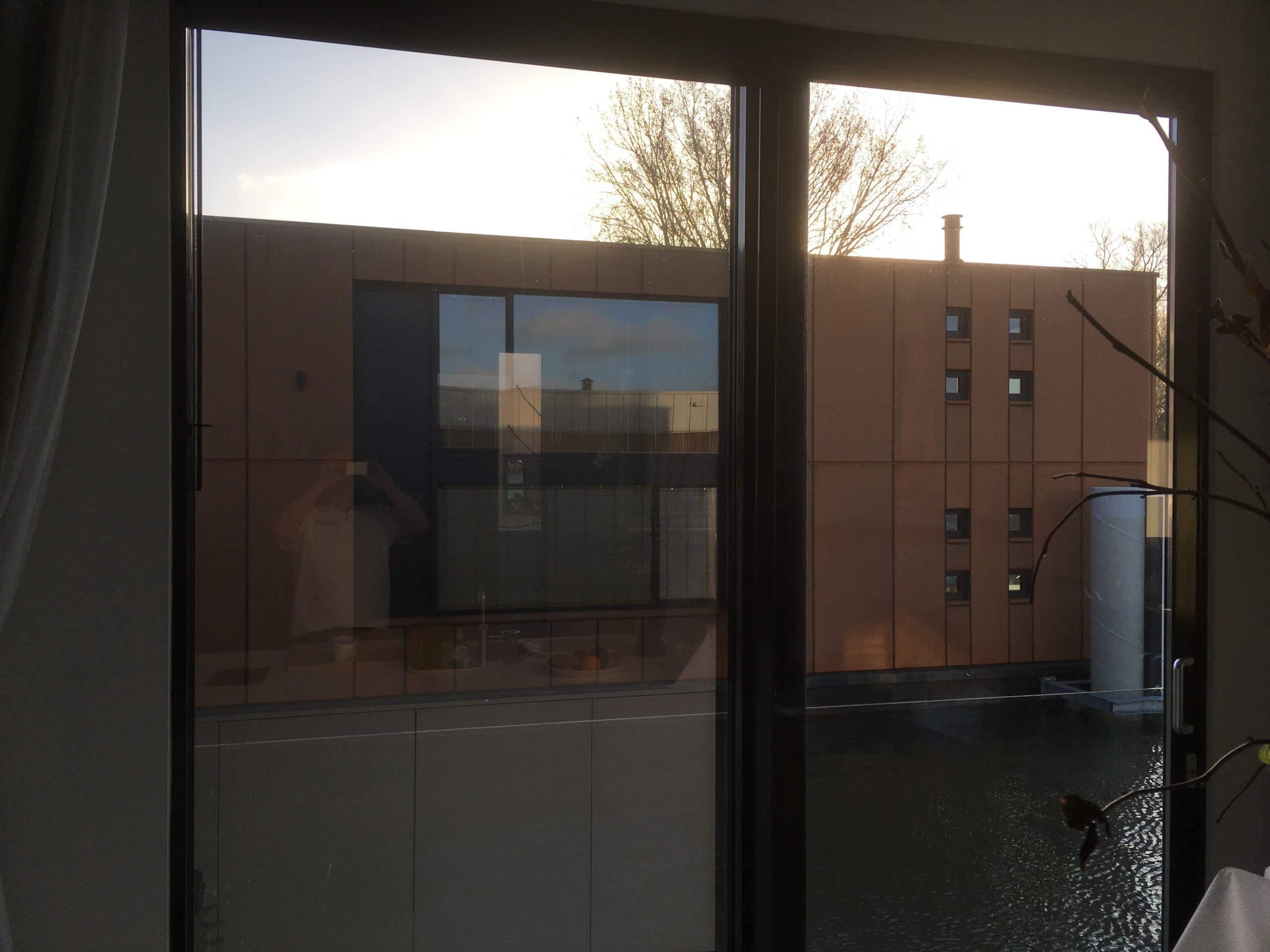 Clearview 50 binnen gemonteerd in particuliere woning lichtreductie 50% zonnewarmte reductie tot 50%
