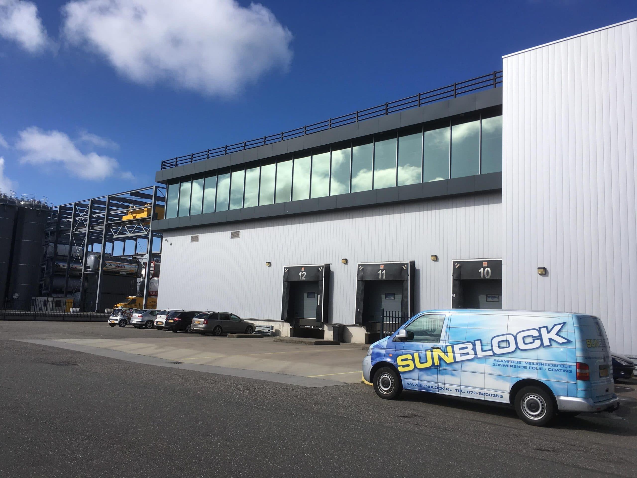 Sunblock Truevue 5 werd gemonteerd teneinde de hinderlijke lichtinval tot een minimum te beperken
