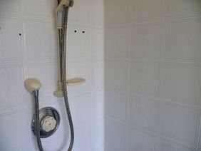Gruby Ceramic Tiled Shower in Bishopton After