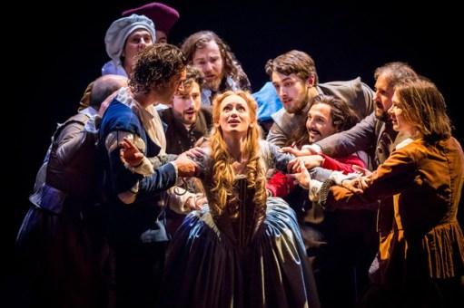 showbiz-shakespeare-in-love-original-london-company-lucy-briggs-owen