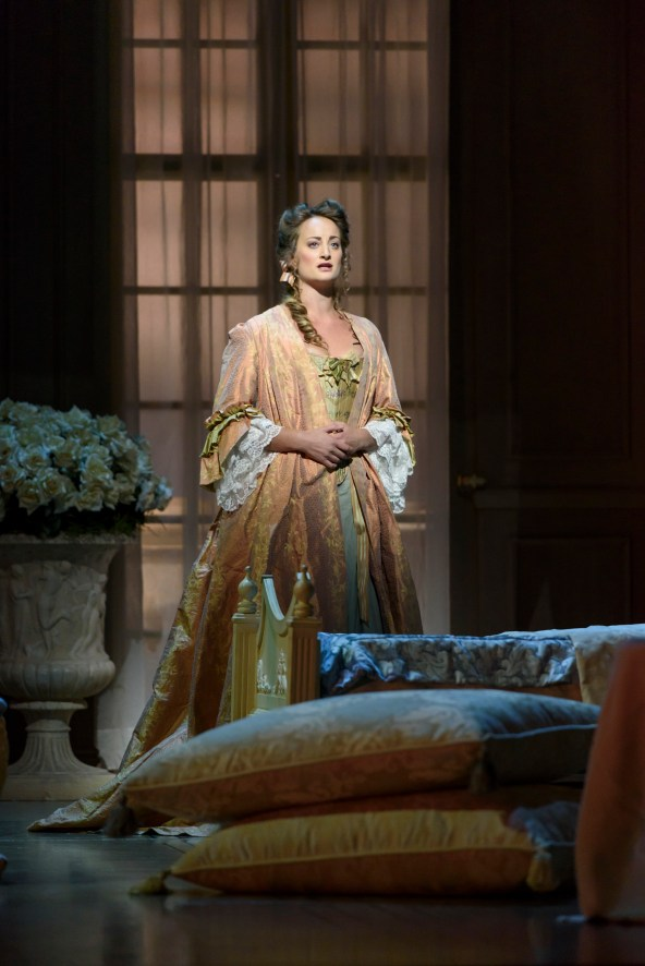 Eleanor Dennis as Countess Almaviva