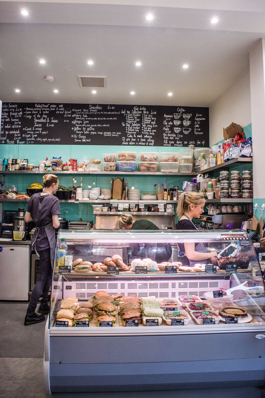 Picnic Glasgow is the vegan cafe that the Merchant City area of the city centre needed! Run by Michelle Morrow it fills the area with healthy and ethical breakfast and lunch options and closes a gap in the fast-food oriented vegan restaurant scene of the city centre!