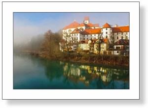 Kloster Sankt Mang und Lech im Nebel, Füssen, Allgäu