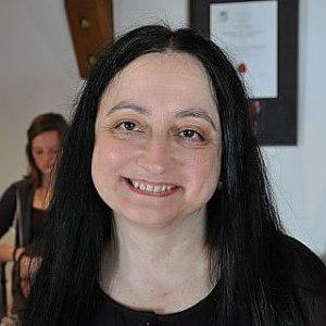 Bozena Yazdan