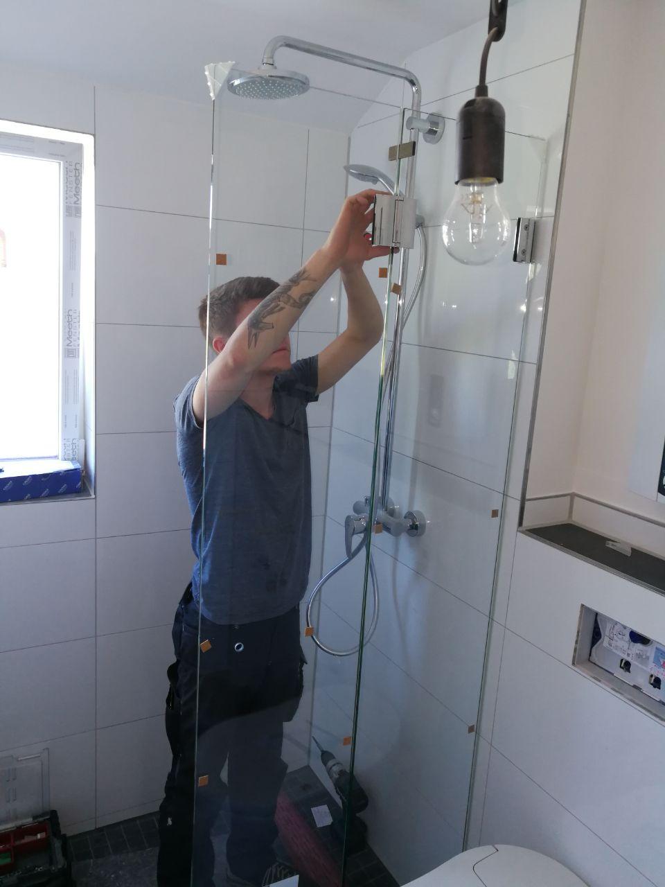 Glas für Dusche
