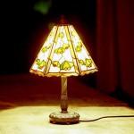 「マユミの実のランプ」