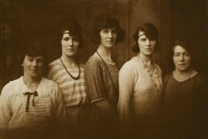 Five Gartly sisters c1920s