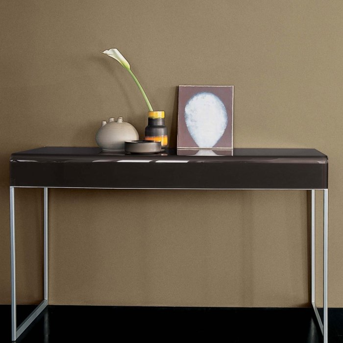 sovet italia - console table