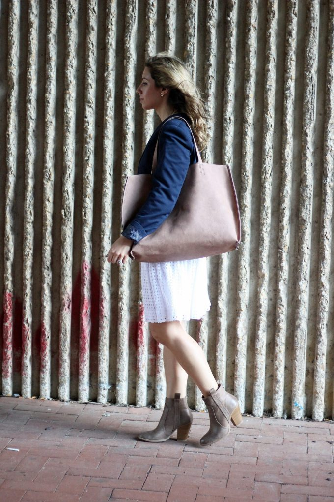 little white dress re-styled for fall, JustFab reversible tote, justfab booties, H&M blazer