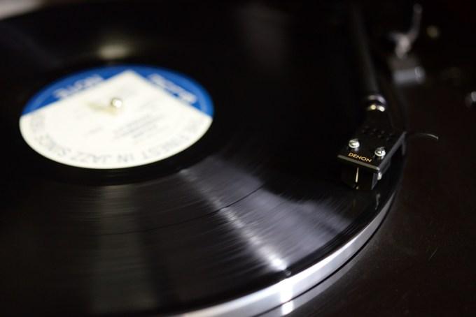 レコードとカートリッジ
