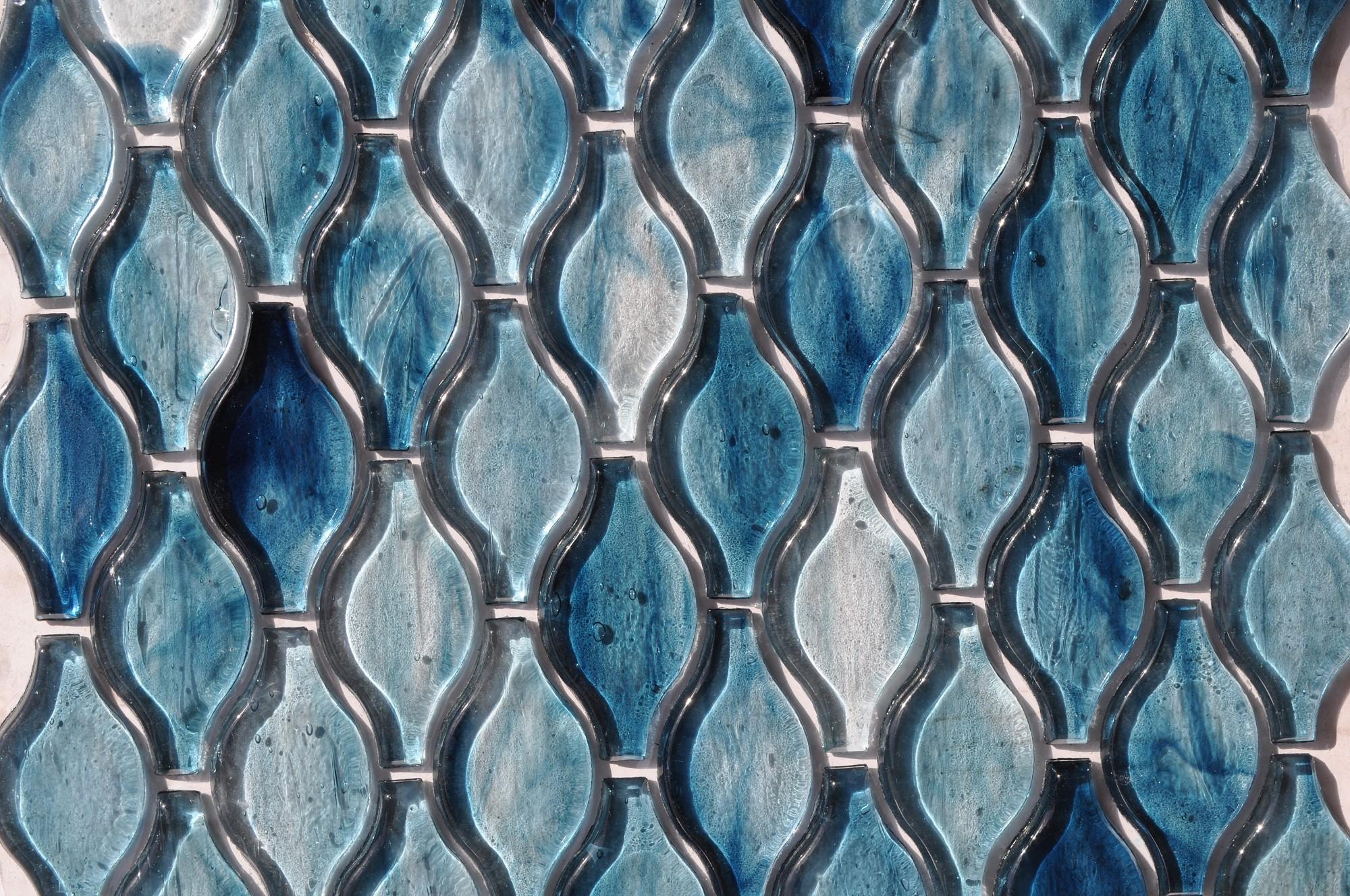 fusion glass sky blue teardrop pattern 09g