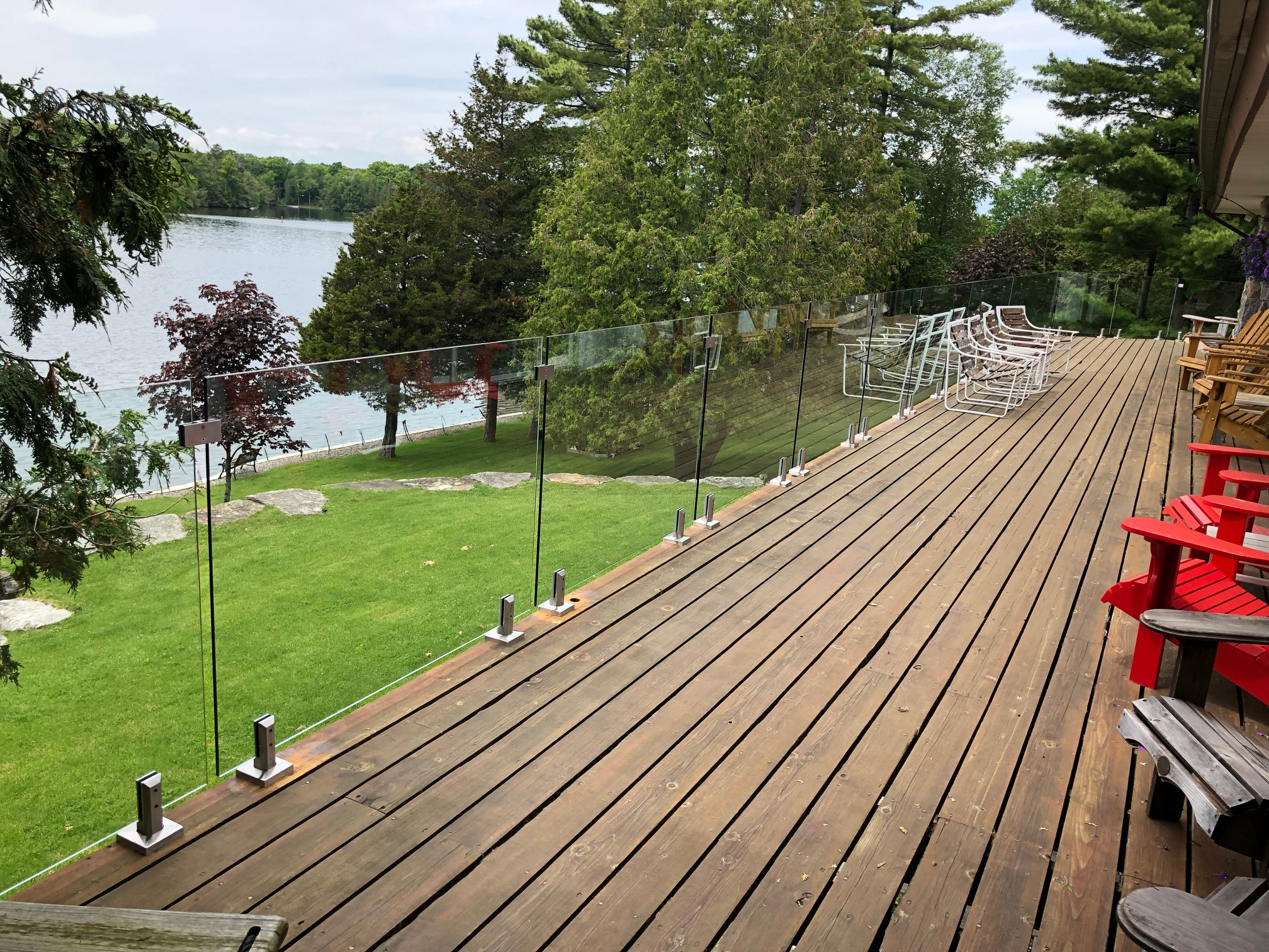 frameless glass deck railing