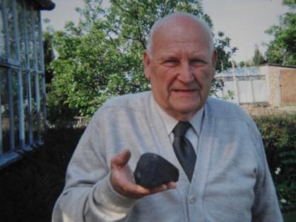Arthur Pettifor with the Glatton Meteorite 1991