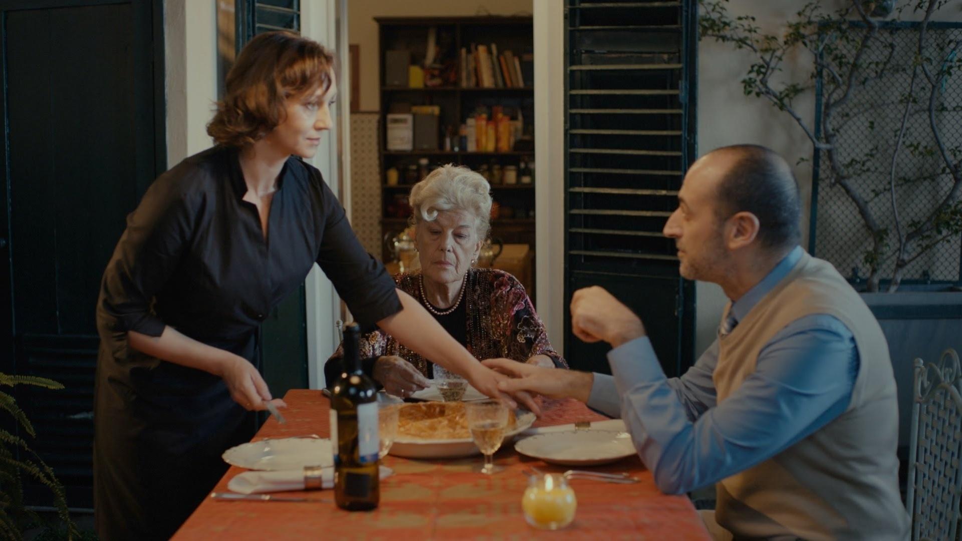 Римма Зюбіна та італійські актори Мауро Чіпріані та Ліна Бернарді. Кадр зі стрічки «Гніздо горлиці»