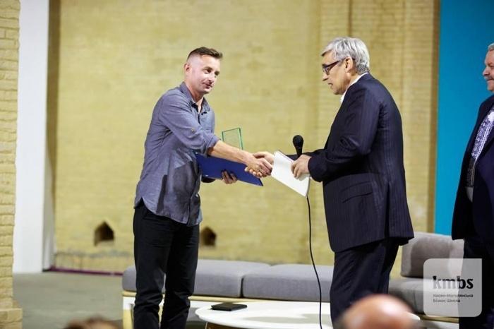 В рамках VII Міжнародного фестиваля «Книжковий Арсенал» Сергію Жадану вручили премію імені Василя Стуса