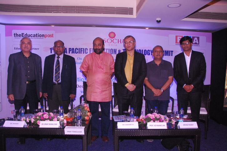 best-institute-in-asia-with-strong-corporate-connect-by-assocham-9
