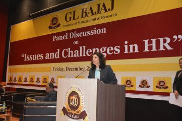 panel-discussion-on-issues-and-challenges-in-hr-10