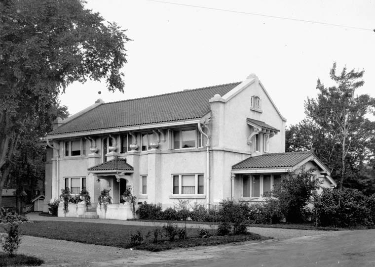 One of Noffke's First Glebe Houses - 86 Ralph Street (1/4)