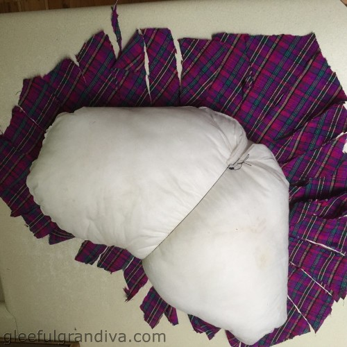 no sew heart pillow picture