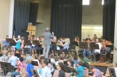 Sixth-grade band performs