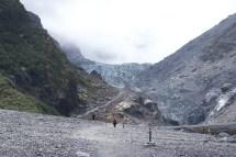 Le Fox glacier, après un peu de marche, pointe son nez