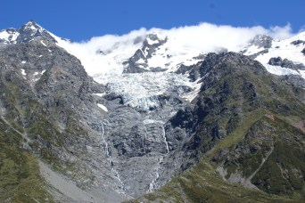 On pouvait voir et entendre les avalanches au loin