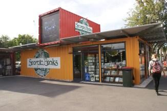 une super librairie indépendante, ici dans un container mais qui depuis a retrouvé un local dans un nouveau building à proximité