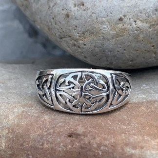 Celtic Knot Triquetra RingCeltic Knot Triquetra Ring