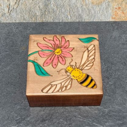 Pink Daisy & Bumblebee Box
