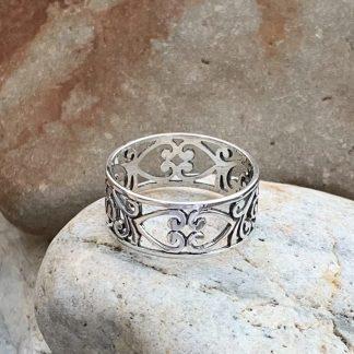 Hearts & Flowers Filigree Ring