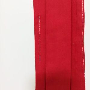 Masque barrière en tissu rouge