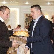 Pâine, diplome și premii bănești pentru mecanizatori