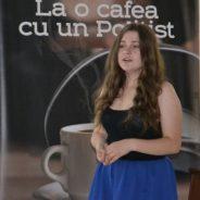 La o cafea cu un polițist