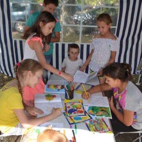 Copiii nu s-au plictisit: pentru ei au fost create condiții de creație și ocupații