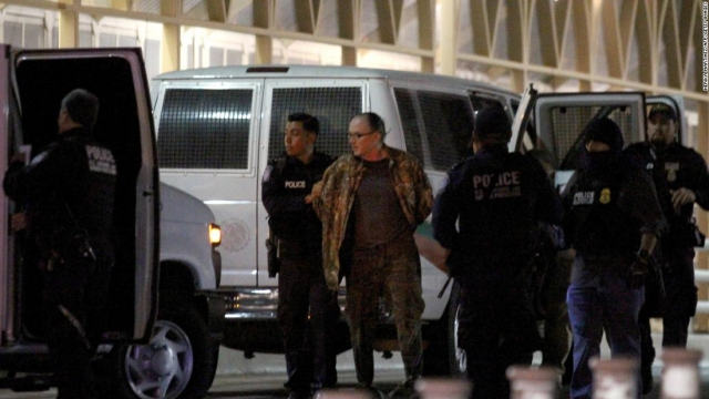 Fugitive American polygamist caught in Mexico linked to triple murder via conuly