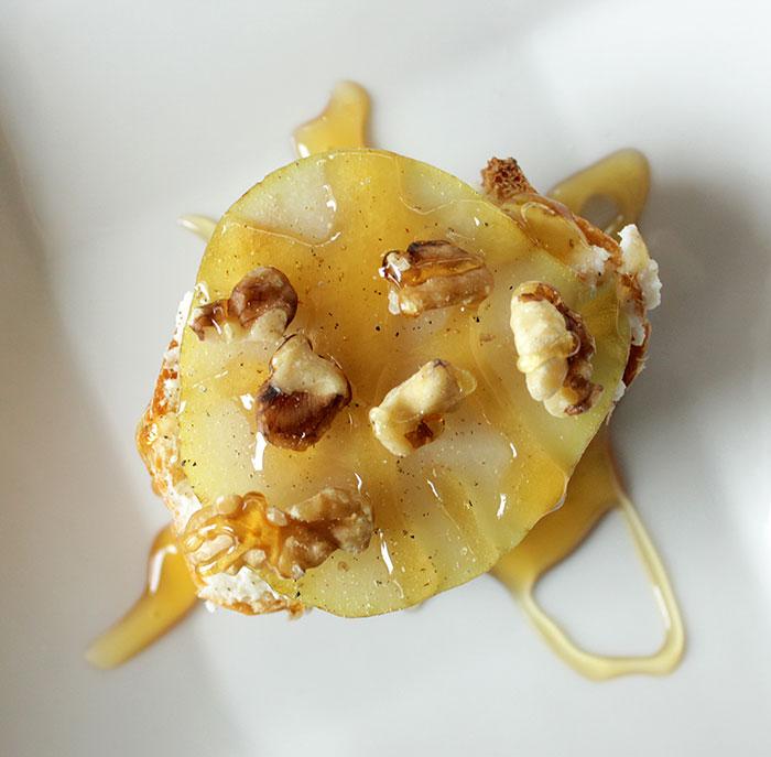 ricotta-cheese-honey-pecan-crostini