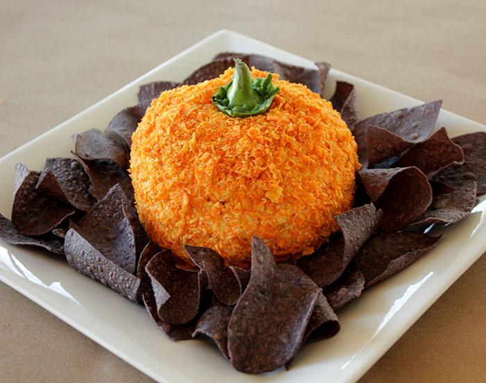 the-pumpkin-cheese-ball