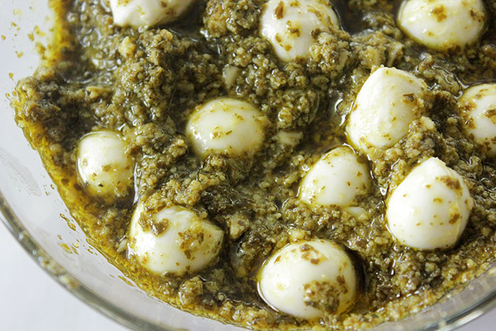 mozzarella-and-pesto