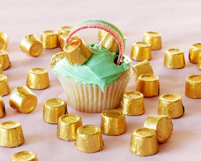 Pot-of-Gold-Cupcakes