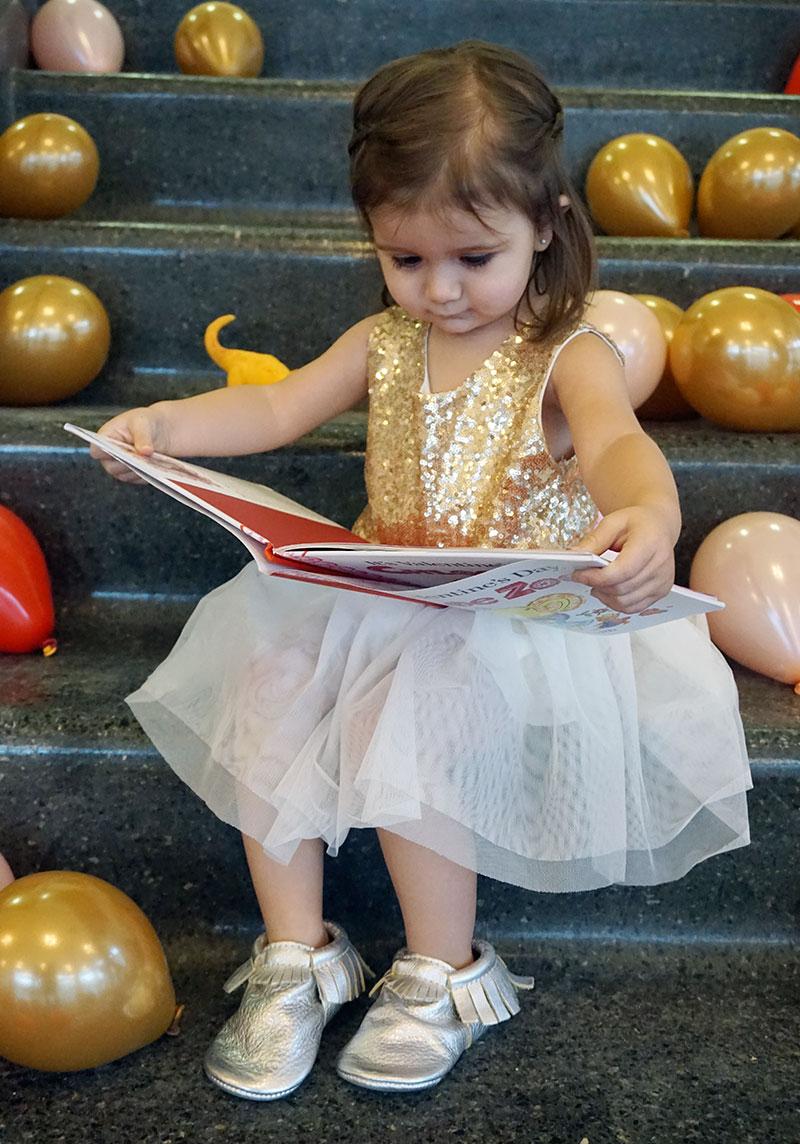 zelda-reads-valentines-day
