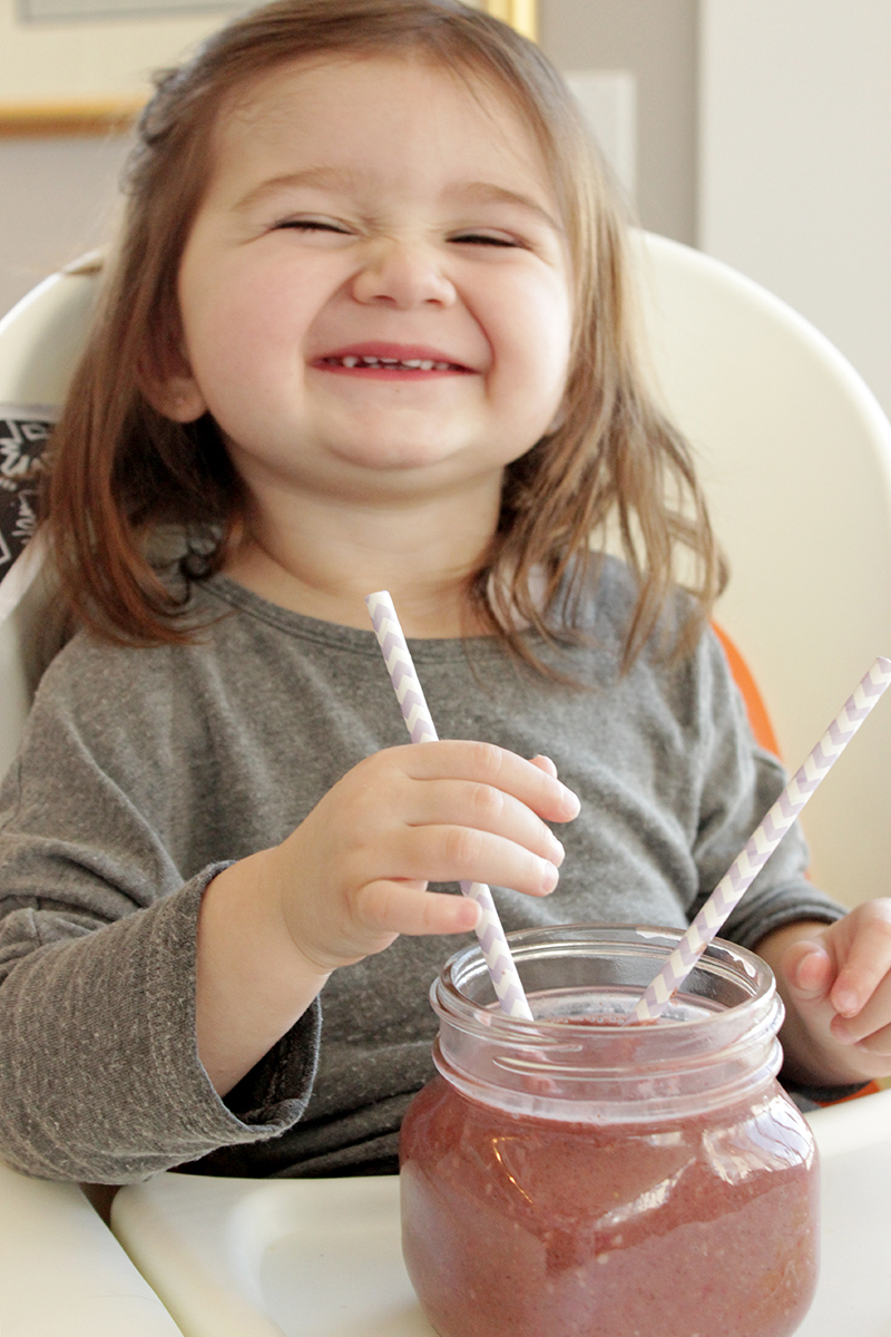 This is Glitter and Bubbles' RAD Mom, Kerry Davis' recipe for an Strawberry Acai Smoothie.