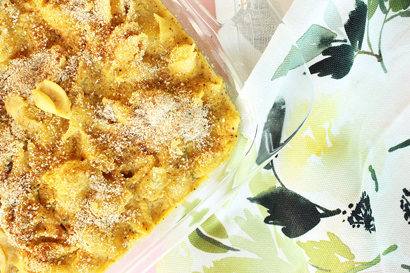 This is a recipe for Andrea Duclos' Vegan Mac & Cheese by Glitter and Bubbles.