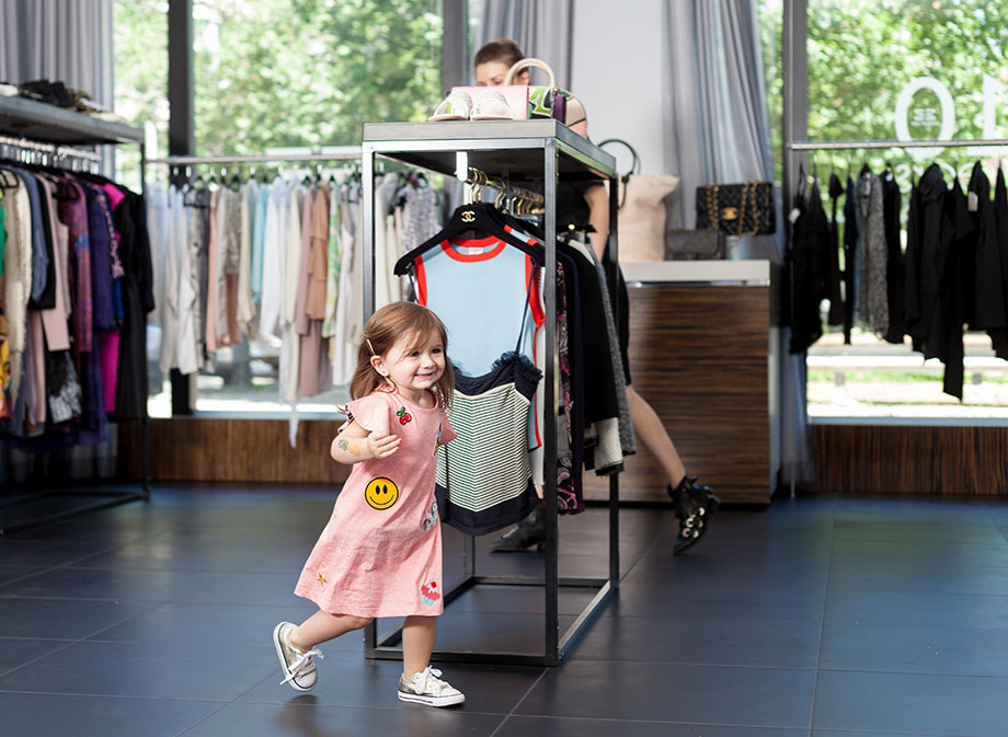 This is a post about mother daughter fashion at eDrop-Off in Chicago by Glitter and Bubbles.